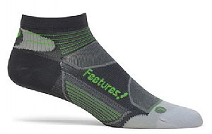 e35042-feetures-elite-ultra-light-low-cut-socks-carbon-electric-green-17664